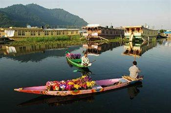 Best of Srinagar, Pahalgam and Gulmarg